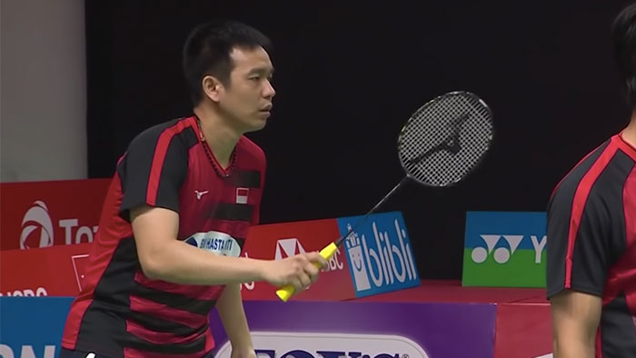 Hendra Setiawan Using a mizuno fortious tour in 2019